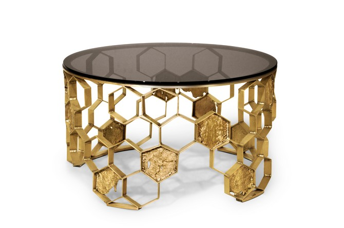Golden Center Tables That You Need To Add To Your Home Decor | Looking for a touch of glamour and luxury to your interiors? Try to add a golden accent to the decor and you'll for sure achieve a desirable look. #centertables #homeinteriors #interiordesign #goldendesigns