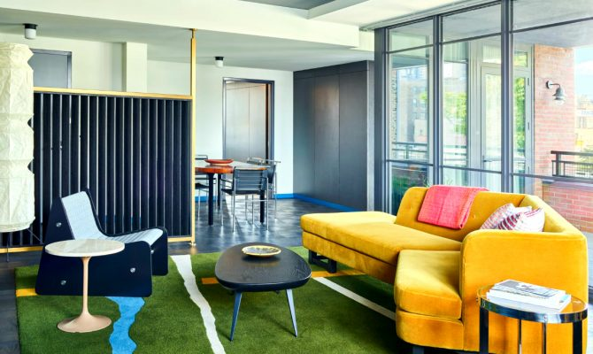 Commune Mid-Century Modern Design Project Ace Hotel Chicago | They used bright and vibrant modern furniture in a nod to the city's architectural background. #hoteldesign #interiordesign #midcenturydesign #moderndesign Mid-Century Modern Commune Mid-Century Modern Design Project: Ace Hotel Chicago feature 670x400  Home Page feature 670x400