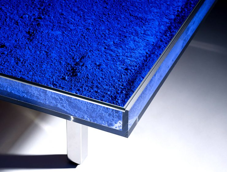 Yves Klein Creates an Outstanding Coffee Table Design | Yves Klein was the most influential, prominent, and controversial French artist to emerge in the 1950s. #coffeetable #centertable #interiordesign #homedecoration coffee table design Yves Klein Creates an Outstanding Coffee Table Design featured 2 740x560