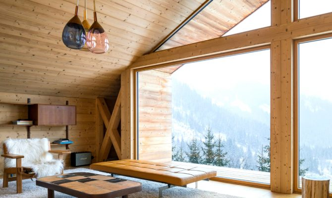 The Perfect Winter Getaways To Enjoy The Cold Weather | Today our blog presents you with 5 of the coziest chalets located in remote spots. #wintergetaways #winterdecor #interiordesign #chalets