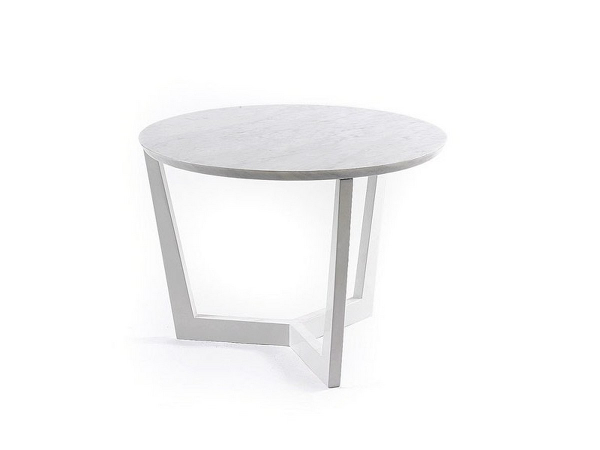 black and white side tables, side tables, black side tables, white side tables, living room, decor, detail, design, modern, luxury, combination, sophisticated,  side tables Black And White Are The Best Colors For A Side Table moma 1